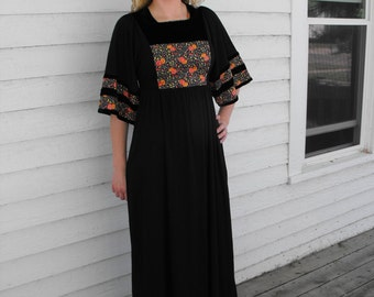 Hippie Dress Black Floral Long Vicky Vaughn Vintage 70s Boho 1970s Casual Quilted Velvet S