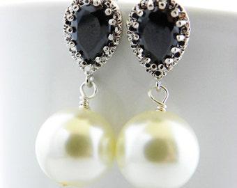 Pearl Bridal Earrings, Black and White Wedding Earrings, Drop Pearl Earrings, Pearl Wedding Earrings, Pearl Bridal Jewelry, White Earrings