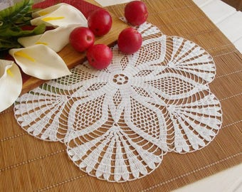 Crochet doily Large doily White crocheted doilies White lace doily Elegant decor Large crochet doily Crochet tablecloth 399