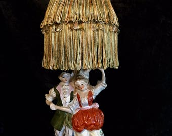 "Vintage Figurine Boudoir Lamp - 15"" x 6"""