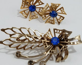 Charming Brooch and Earrings Set Gold Tone Metal Cut outs for Flower and Leaves, Rhinestones