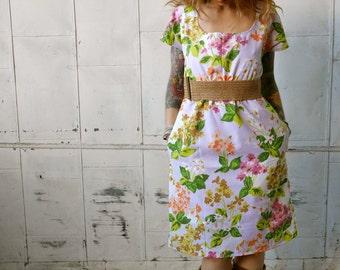 Vintage White Floral Short Sleeve Scoop Neck Eco Dress with Pockets|Empire Waist Dress|Knee Length Dress|Plus Size Dress|Maternity Dress