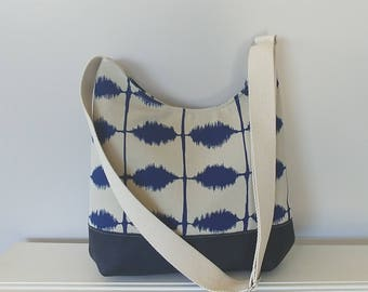 Hobo Bag. Gorgeous Navy and Cream