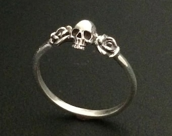 Handmade 925 Sterling Silver Skull with Roses Ring