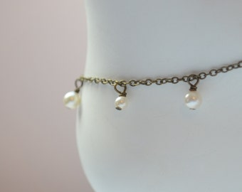 Dainty Pearl Anklet, Swarovski Pearl, Creamrose Ivory, Wire Wrapped, Adjustable Length, Antiqued Brass Jewelry