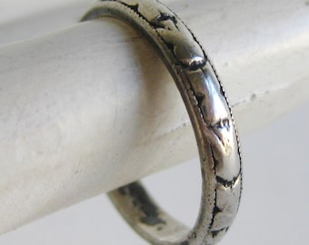 Vintage Art Deco Uncas Sterling Silver Band Ring size 5