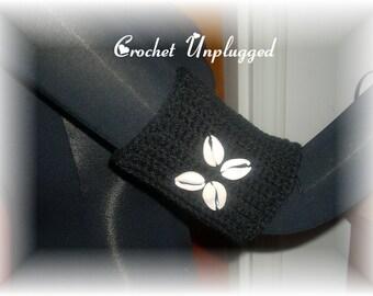 Crocheted armband cuff