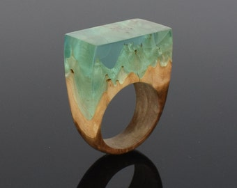 Resin Wood Ring, Resin Jewelry, Wood Accessory, Something to wear to the beach. Unique gift for her. Statement outfit. 5th Anniversary