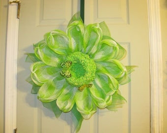Carmen's Daisy wreath, Green and White Plaid fabric mesh ,zip ties,  with home made pollen.