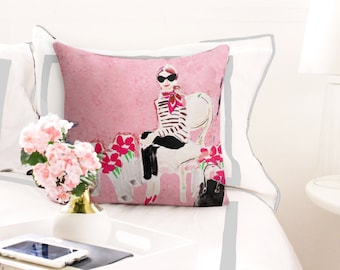 Illustrated Pillow: Les Roses