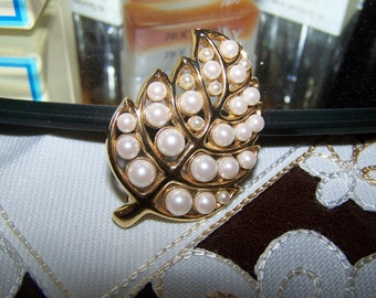 gold and pearl vintage pin