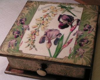 Iris* Box jewelry*wooden box* Jewelry casket* jewelry storage*Art Nouveau* Modern* Home decor