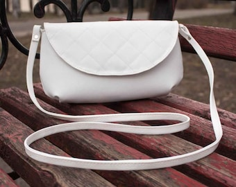 Small crossbody purse White small purse White summer purse Crossbody messenger bag White clutch purse White bag Unique purse Crossbody
