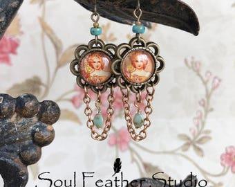 E072 Vintage Lady Earrings