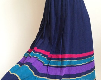 1970's Pleated Skirt (Size: Approx. UK 6 - 8)