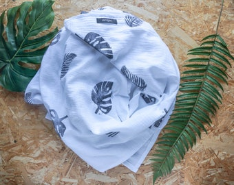 Swaddle blanket, baby blanket, Muslin cloth, Burp cloth, leaves, black and white