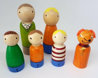 Biff and Chip Family Peg Dolls / Small World Play / Open Ended Play/ Preschool / Montessori / Waldorf / Wooden Toys / Educational / Reading