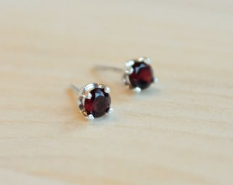 4mm Garnet Argentium Silver Earrings - Nickel Free Hypoallergenic Stud Earrings