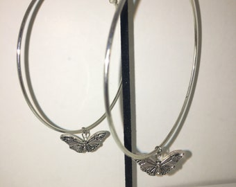 Butterfly effect hoop earrings