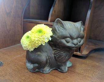 Vintage Brass cat planter / Mid-Century Kitten / heavy brass planter / small brass cat / 1950s cat decor