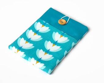 Kindle Cover, Kindle Voyage Case, Teal Padded Sleeve with Pocket for Paperwhite Ereaders and Tablets - Waterlilies on Turquoise Blue