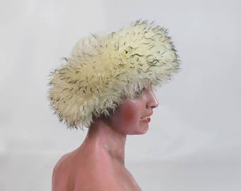 1970  shaggy Tuscan Lamb fur  winter Hat / 70s shaggy  hat/ vintage women lamb hat