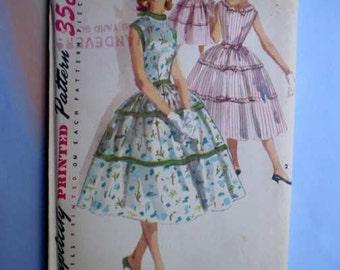 Vintage 50s Full Skirt Sun Dress Pattern 30