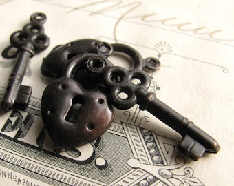 Black lock and key charm set, puffed heart and jewelry box key, antiqued brass  (4 charms) CH-SV-009