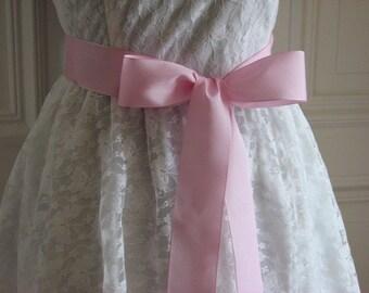 Pink ribbon sash Pink wedding sash Ribbon sash pink 1.5 inch pink sash Pale pink sash Bridesmaids pink sash Pink wedding Pink bridal sash