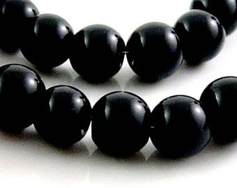 20 of shiny black glass beads, 12mm