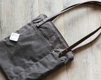 Waxed canvas tote - laptop bag - shoulder bag - waxed canvas bag - canvas laptop bag - handmade bag - waxed cotton bag - canvas bag