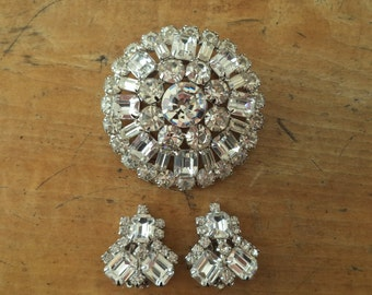Large Signed WEISS Large Crystal Rhinestone Brooch Earrings Set Bride Prom Special Occasion Jewelry