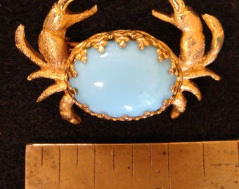 Blue crab brooch