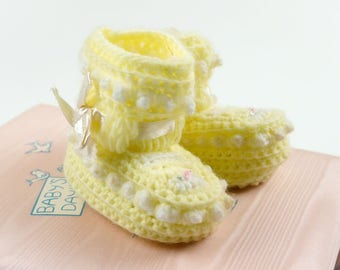 """Vintage Baby Size 1 Booties NOS, Yellow White Knit Flower Embroideyr, New Baby Gift Nursery Decor Toy Doll Shoes, 3.5"""" Length"""