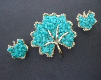 Stylish Aqua Blue Beaded Brooch & Earrings Set c 1970