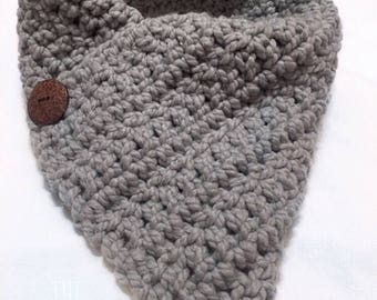 Button Cowl, Winter Scarf, Crochet Button Cowl, Crochet Cowl Scarf, Crochet Womens Cowl, Crochet Neckwarmer, Chunky Cowl, Warm Winter Scarf,