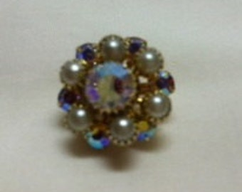 Pretty Little Vinage Scatter Pin. Aurora Borealis Rhinestones and Faux Pearls