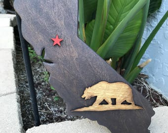"""California State with Brown """"Grizzly"""" Bear"""