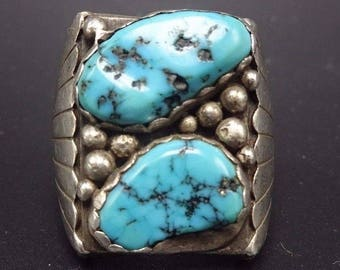 Heavy Vintage NAVAJO Sterling Silver & KINGMAN TURQUOISE Signet Ring, size 11.5