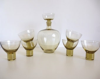 Mid Century Gullaskruf Decanter with Shot Glass Stopper and Six Glasses Sweden