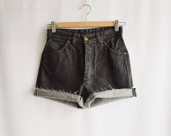 Short grey Vintage worn