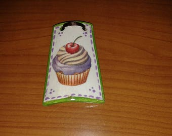Small tile decoupage cupcake with cherry gift idea to hang