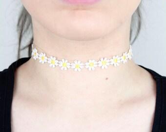 Daisy Yellow White Choker - TinyLittlePiecesShop