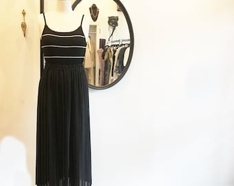 1980's BCBG Sportswear Black Pleated Maxi Skirt