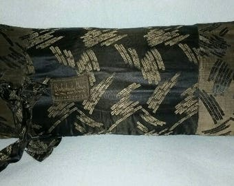 Vintage Lining Pillow