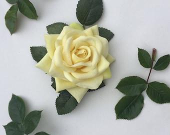 Rose Hair Flower, Yellow Rose Hair, Rose Fascinator, Pin Up Hair Clip, Wedding Fascinator, Ascot Races, Hair Accessory, Yellow Hair Flower