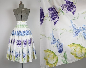 1950's Cotton Circle Skirt with Tulip Print / Size XSmall