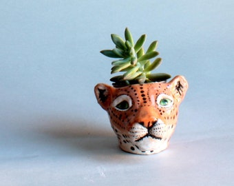 Pottery cheetah  planter,  succulent cheetah planter, handmade pot cheetah, italian home decor,