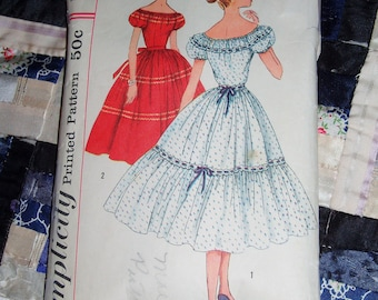 1957 Misses Dress Pattern Simplicity 2027 Size 14, Bust 34""