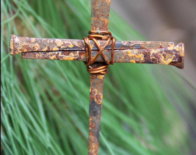 Cross ornament, Christian Rustic Metal Symbolic Cross, Metal Nail Religious Decoration Christian Gift Hanging Cross Decor Catholic Church